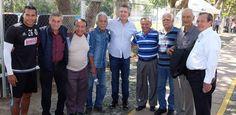 LAS PALABRAS DE UN CAMPEONÍSIMO PARA 'GULLIT' PEÑA Los integrantes del Campeonísimo asisten a la práctica de Chivas para reconocer el esfuerzo y alentarlos a otra victoria.