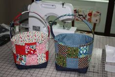 Bags From The Heart: Fabric Easter Baskets Tutorial  http://bagsfromtheheart.blogspot.com/2010/03/fabric-easter-baskets-tutorial.html
