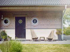 Måla ditt hus, inspiration för utomhusfärg. Fasadfärg, Nordsjö. Stuvbutiken. Hus inspiration. trä hus, runda fönster.
