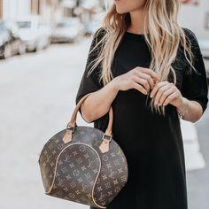 a6e5ae557fc5 Labellov Shop Authentic Vintage Luxury Designer Handbags Online. Vind  tweedehands designer handtassen