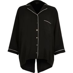 ​Lightweight crepe Contrast piping Pyjama style  Oversized fit Button-up front fastening Split back