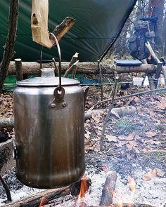 "bushcraftstaywild: ""Morning, shelter, percolator 🔥 🏕 🍵 A reggeli kávé illatának nincs párja. . . #bushcraft #wildcamp #outdoor #wilderness #getoutside #campvibes #survival #instanature #camping #camp #forest #wood #liveauthentic #hiking #woodsman..."