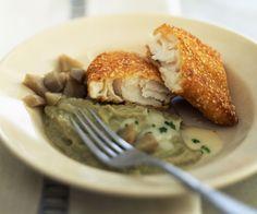 Le chef étoilé Cyril Lignac vous propose une recettes de poisson très gourmande : celle du cabillaud en croûte de sésame, purée d'artichaut .