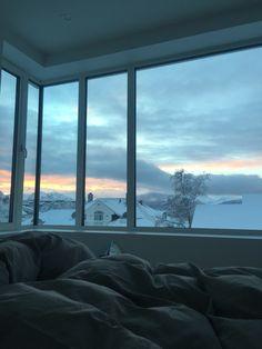 My bedroom view. City Aesthetic, Aesthetic Bedroom, Home Room Design, House Design, Pool Bedroom, Ocean Bedroom, New York Bedroom, View Wallpaper, Window View
