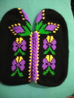 Tunisian Crochet Stitches, Moda Emo, Crochet Slippers, At Home Workouts, Gloves, Knitting, Model, Crafts, Fashion