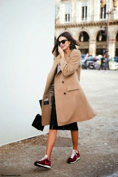 Street style: Stylish outfits with Sneakers