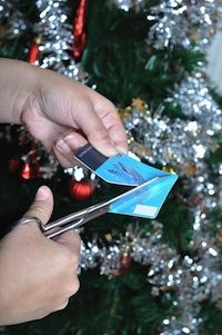 With the weather starting to cool off, thoughts naturally begin to gravitate to the upcoming holiday fun and festivities.  However, going into debt for that fun and being stuck paying off your Christmas bills isn't likely to make your New Year's very bright.
