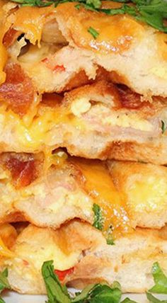 Try a savory spin on biscuit waffles--stuffed with all the fixings of a western omelet. Best Breakfast Recipes, Savory Breakfast, Brunch Recipes, Breakfast Ideas, Yummy Waffles, Homemade Waffles, Waffle Iron Recipes, Sandwiches, Southern Recipes