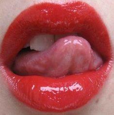 Beautiful Lips, Beautiful Girl Image, Smokey Eye Red Lips, Girl Tongue, Female Lips, Wet Lips, Lip Tutorial, Candy Lips, Actrices Sexy