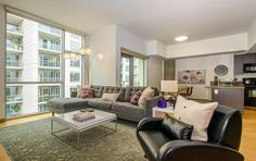 Gorgeous 40+ Cool Ideas to make Apartment Living Room Decor on Budget https://homegardenmagz.com/40-cool-ideas-to-make-apartment-living-room-decor-on-budget/