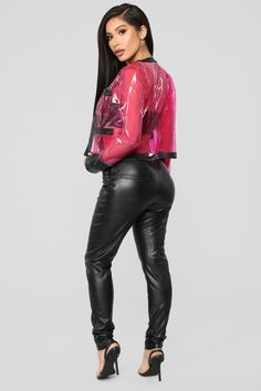 Wow check out these plus size for women Blazer Outfits, Sexy Outfits, Fashion Models, Girl Fashion, Sexy Women, Vinyl Clothing, Mexican Fashion, Wet Look Leggings, Looks Black