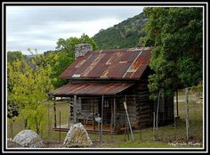 Log And Rustic Cabins On Pinterest Small Log Homes Log