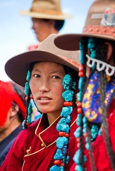 People of Tibet We Are The World, People Around The World, Tibet, Ladakh India, Tribal People, Ethnic Dress, World Of Color, Portraits, Ethnic Fashion