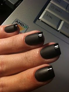 I don't normally like black nails that much, but this is awesome!!