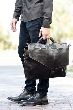 This amazing bag by BEDSTU features space for a laptop, tablet, also your work & personal phones. Leather Hats, Leather Men, Vintage Leather Messenger Bag, Hats For Men, Bag Accessories, Mens Fashion, Men's Bags, Briefcase, Male Style