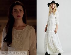 Mary Queen of Scots (Adelaide Kane) wears this white embroidered dress in this week's episode of Reign. It is the Free People [...]