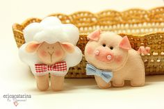 Lamb and pig. by Ei menina Pig Crafts, Felt Crafts, Fabric Animals, Felt Animals, Felt Patterns, Stuffed Toys Patterns, Puppet Patterns, Craft Projects, Sewing Projects