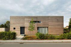 Kompaktes Haus, Holzrahmenbau, Lärchenholzfassade, Rheda-Wiedenbrück