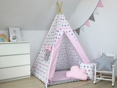 Teepee with mat and pillows, Tente Tipi, Childrens teepee -Large Set, tipi tente pour une fille, Bab Baby Teepee, Kids Play Teepee, Childrens Teepee, Kids Tents, Play Tents, Kids Wigwam, Kids Lamps, Interior Exterior, Kid Beds