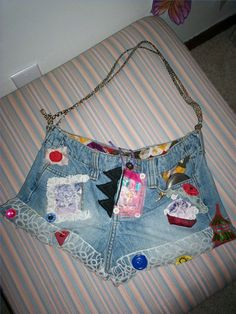 How to Make a Purse From Old Jeans