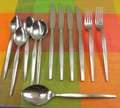 """Oneida Community Stainless Steel CELEBRITY Lot of 2 Dinner Knives 9 1//8/"""""""