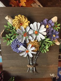 Beautiful flower bouquet with pine cones - Crafts Are Fun Pine Cone Art, Pine Cone Crafts, Pine Cones, Crafts To Make, Arts And Crafts, Diy Crafts, Paper Crafts, Flower Crafts, Flower Art