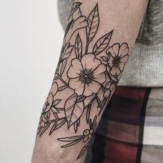 First session#tattoos #ink #inked #tattooed #tattooist #design #tattooedgirl #instatattoo #newtattoo #art #illustration #artist #sketch #flower #flowers #nature #plants #botanical #handtattoo #tattooistartmagazine #tattooworkers #t4ttoois #tattooinkspiration #inkspiringtattoos #inkfreakz #inkjunkeyz #toptattooartists #thebesttattooartists