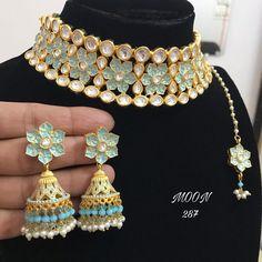 Kundan Jewellery Set, Indian Jewelry Earrings, Fancy Jewellery, Jewelry Design Earrings, Stylish Jewelry, Bridal Jewellery, Clay Jewelry, Jewelery, Indian Bridal Jewelry Sets