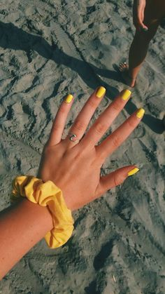 There are three kinds of fake nails which all come from the family of plastics. Acrylic nails are a liquid and powder mix. They are mixed in front of you and then they are brushed onto your nails and shaped. These nails are air dried. Cute Nails, Pretty Nails, Nagellack Trends, Yellow Nails, Yellow Nail Polish, Acrylic Nails Yellow, Blue Nail, Christmas Nail Art, Mellow Yellow