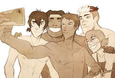 It's SUMMER!!! (and soooo hot T_T) I was surprised Lance didn't make a single selfie in the first season…