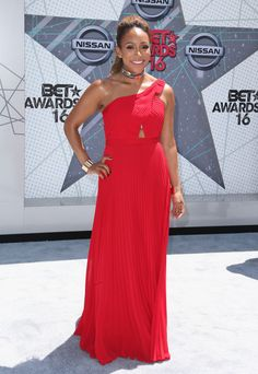 Mara Schiavocampo - Best Dressed at the 2016 BET Awards - Photos