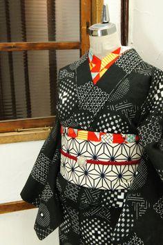 黒白市松とふわりと浮かぶ水玉のような円のデザインがレトロモダンな浴衣です。 #kimono