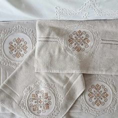 Bargello, C2c, Cross Stitching, Canvas, Bathroom, Accessories, Embroidered Towels, Needlepoint, Embroidery