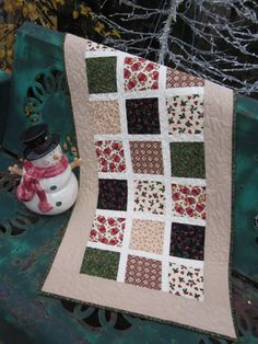 Christmas Windows Tablerunner by thePATchworksshop on Etsy