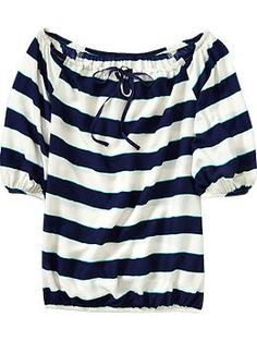 Super cute... The is a little aqua line on either side of the navy, too :)