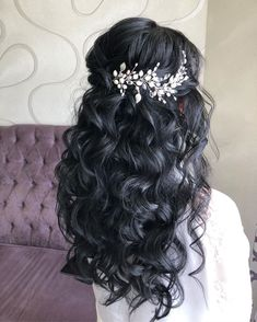 Wedding Hairstyles For Long Hair, Bride Hairstyles, Hairstyles For Sweet 16, Long Curly Wedding Hair, Bridal Hair Vine, Wedding Hair And Makeup, Bridal Makeup, Quince Hairstyles, Boho Headpiece