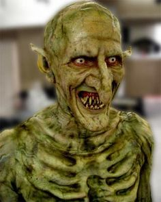 this is a character from the brilliant mind of Joss whedon for his show buffy the vampire slayer :D Horror Makeup, Scary Makeup, Sfx Makeup, Prosthetic Makeup, Monster Makeup, Movie Makeup, Fantasy Make Up, Camouflage, Theatrical Makeup