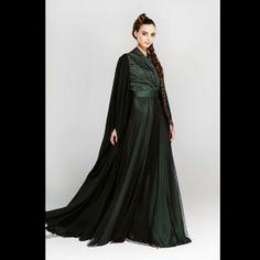 homaqabayas #abaya #caftan #kaftan #bisht #islamicdress #arab For more abaya & caftan inspiration please visit my page: www.pinterest.com/santanadxb/abayas-bishts-kaftans-jalabiyas/
