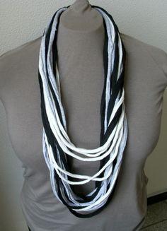 Loop Kette  von AnnKara's Queerbeet-Shop auf DaWanda.com