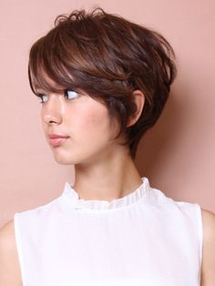 Short Haircuts with Bangs for Women 2017 Awesome 40 Super Short Hairstyles with Bangs Short Haircuts With Bangs, Haircut For Thick Hair, Short Hair Cuts For Women, Short Hairstyles For Women, Pixie Haircuts, Short Feminine Haircuts, Hair Styles 2016, Short Hair Styles, Super Short Hair