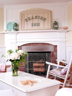 love the mantel