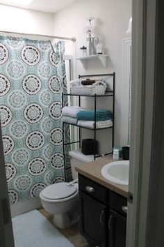 33 Awesome First Apartment Decorating Ideas And Makeover. If you are looking for First Apartment Decorating Ideas And Makeover, You come to the right place. Below are the First Apartment Decorating I. Apartment Interior, Bedroom Apartment, Bathroom Interior, Apartment Living, College Apartment Bathroom, Apartment Ideas College, Gray Bathroom Decor, Apartment Makeover, Ikea Bathroom