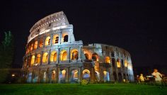 Immaginate di poter passeggiare di notte nel Colosseo, illuminati dai raggi della luna e accompagnati da una guida capace di farvi immergere nella storia di questo monumento: un sogno vero? Romalower vi informa che tutto questo è possible grazie a La Luna sul Colosseo!