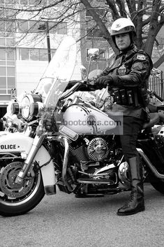 This site features photos of Police Motorcycle officers, Motorcycle units, Highway Patrol units, and events and other law enforcement related images. Cop Uniform, Men In Uniform, Harley Bikes, Harley Davidson Motorcycles, Vintage Motorcycles, Big Black Boots, Tall Boots, Sexy Biker Men, Fallen Officer
