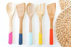 DIY Painted Kitchen Utensils http://todayis.de/kochloeffel/