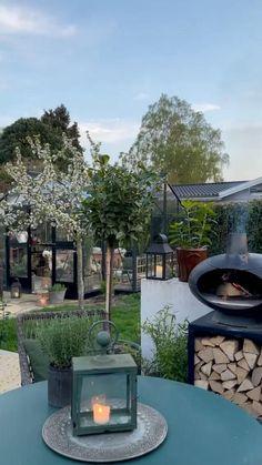 Garden Pond Design, Small Backyard Design, Backyard Patio Designs, Small Backyard Landscaping, Backyard Ideas, Cosy Living, Serenity Garden, Mountain Home Exterior, Indoor Water Garden