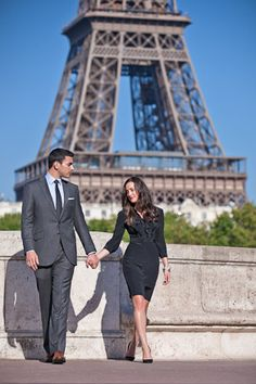 Anniversary photo at Eiffel Tower: Since we got engaged in Paris, when we do an anniversary trip back, I totally want to do this!