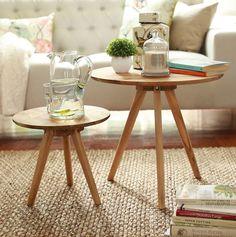 Dos #mesas auxiliares en vez de una #mesa de centro. ¡Sal de lo común! #Garden #Muebles #Madera #Homy