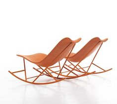 The Thinking Machine: A good-looking rocking chair suitable for outdoor use thanks to its polyurethane shell.