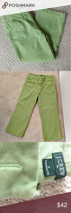 "JCrew green cropped cotton pants size 0 These pants by JCrew are a size 0.  Approximate measurements flat across back are: waist 13"", hips 17"", rise 10.75"", inseam 22"".  100% cotton, almost denim weight J. Crew Pants Ankle & Cropped"